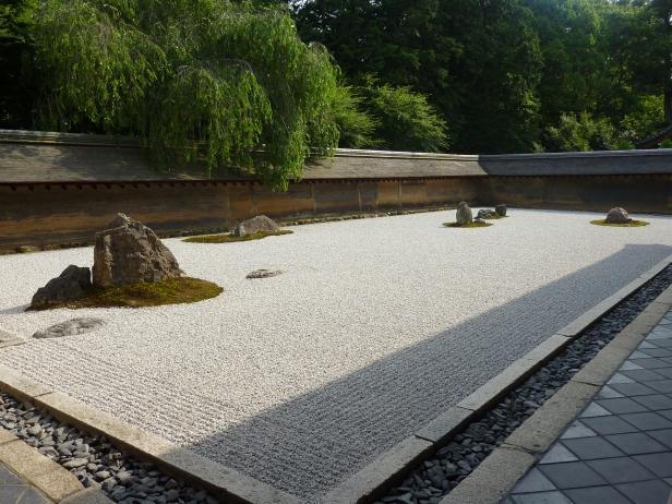 15 - Le célèbre jardin sec du Ryôan-ji