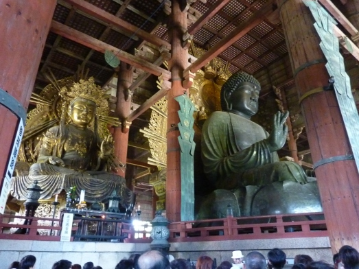 7 - Bouddha géant et bouddha en or à ses côtés
